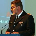 Einer der Gastredner, der Landesbranddirektor des Landes Schleswig-Holstein, Detlef Radtke. (c) AG MuK FF Hamburg
