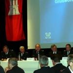 Das Podium verfolgte aufmerksam die Redebeiträge, 3.v.r. Staatsrat der Behörde für Inneres und Sport Volker Schiek. (c) AG MuK FF Hamburg