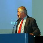 Der Geschäftsführer der Hanseatischen Feuerwehr-Unfallkasse Nord, Lutz Kettenbeil, bei seinen Ausführungen zum Unfallgeschehen in den Freiwilligen Feuerwehren in Norddeutschland.  (c) AG MuK FF Hambur
