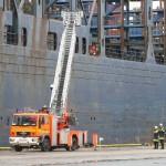 Drehleiter 34 in Höhe des Brandraums, rechts A-Dienst und Amtsleiter  (c) MT AG MuK