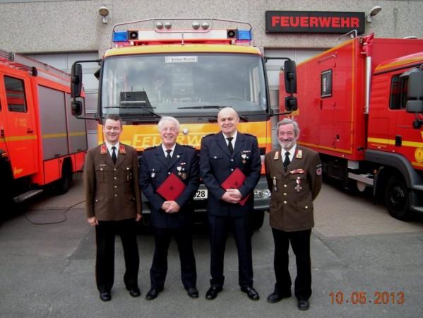 Kommandant Gerhard Längle, WFV Andreas Schuppe, WF Jean Gressmann, Bezirksfeuerwehrinspektor a.D. Hubert Bilger (v.links)(© D.Frommer)