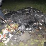 (C) FF Willhelmsburg: Auf Anordnung der Polizei wurde das Osterfeuer gelöscht