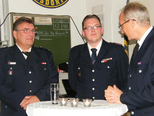 Jubilar Jörg Knopf (ganz links) mit WF Mischa Beyer und BerF Rolf Lohse (c) FFO MT