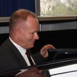 Innensenator Michael Neumann testet den neuen Fahrsimulator