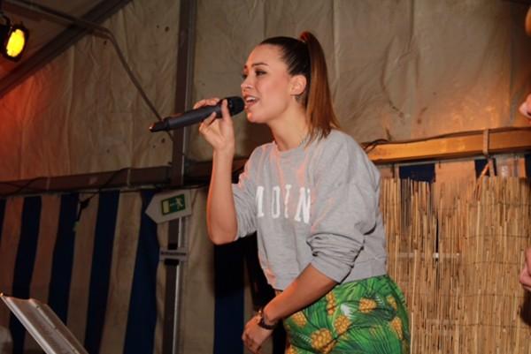 Sängerin Miss Ronja sorgte am Abend für tolle Stimmung im Festzelt (Foto: Stefan Freude)
