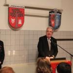 Der Bezirksamtsleiter Harald Rösler richtet auch einige nette Worte an Holger.