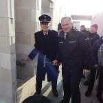 WF Bernd Rieck und Senator Michael Neumann legen letzte Hand an