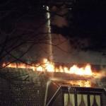 Feuerentwicklung im Firstbereich des Haupthauses (c) FFO