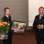Übergabe eines Erinnerungsbildes aus dem Einsatzgeschehen(c) D. Schulz FF Altona