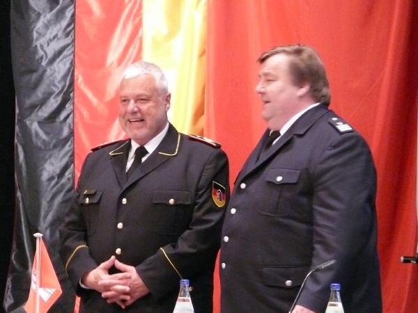 DFV-Präsident Kröger (li.) und LBF Wronski(c) AG MuK