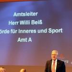 Redebeitrag des Amtsleiters SD Beiß, der den erkrankten Innensenator vertrat (c) AG MuK