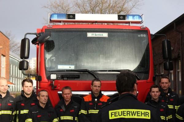 Bereichsführer Andreas Dubbe vor der Mannschaft   (C) BG