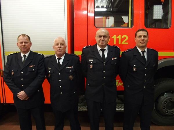 Bild l.n.r.: Torsten Hansche (Bereichsführer Wandsbek), Andreas Schuppe(WFV a.D.),Jean Gressmann (WF),Jan Hinterkeuser(WFV)