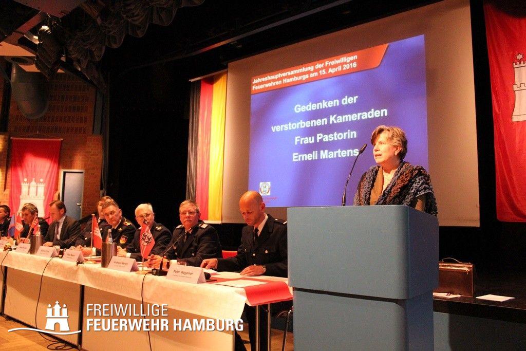 Ansprache der Feuerwehrpastorin Erneli Martens