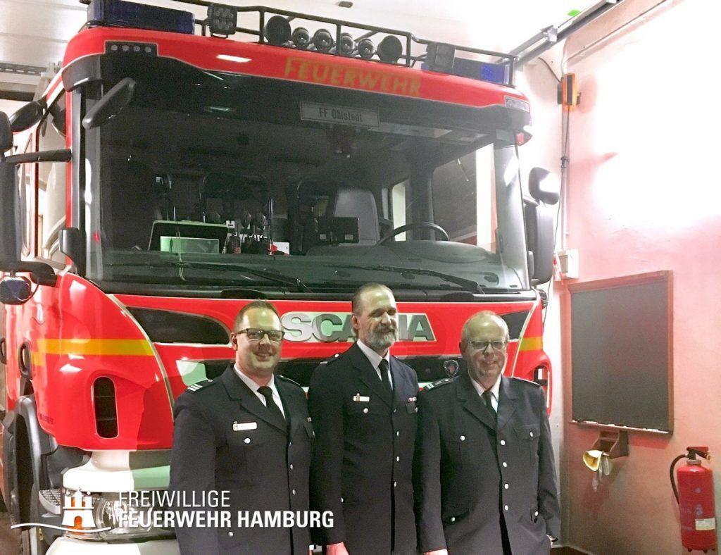 vlnr.: Bereichsführer Henning Heidmann, Wehrführer Stefan Bahls, ehem. Wehrführer Dirk Lübkemann - Foto: © FF Ohlstedt