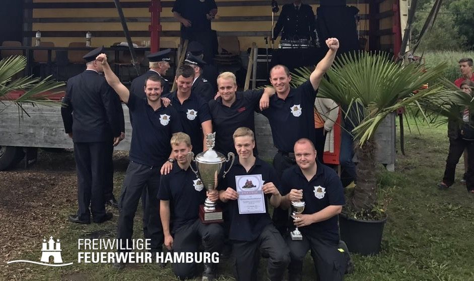 Die Sieger: Sascha Harden, Alex Hars, Simon Timmann, Heiko Harden, Timo Grabsch, Philip Scheer und Hauke Harden