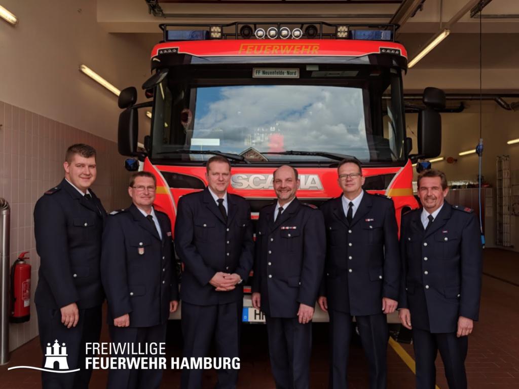 v.l.n.r. WF/V Henning Pöppe, WF Thomas Rehder, BERF Jens Rehder, Jendrik Stelling, WF Stefan Drewes, JF-Wart/V. Torsten Mannesmann