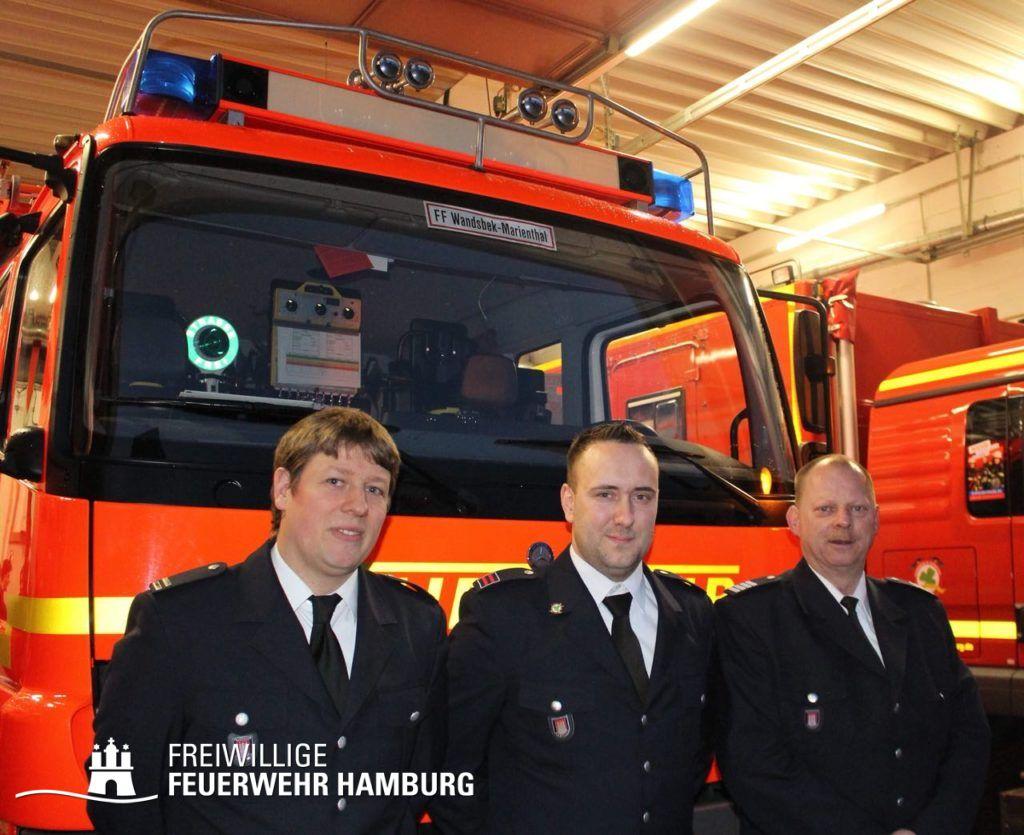(v.l.n.r.) WF Jan Hinterkeuser, WF/V Fabian Krull und Bereichsführer Wandsbek Torsten Hansche