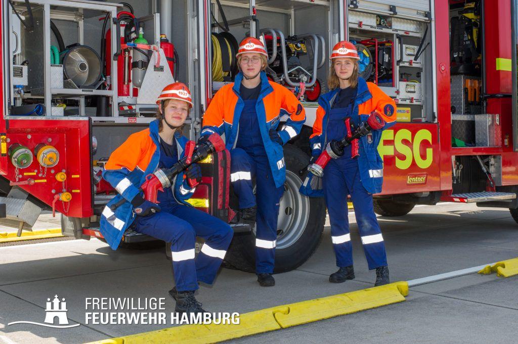 von links nach rechts: Helena, Lisa und Lisa von der JF Eimsbüttel haben bei