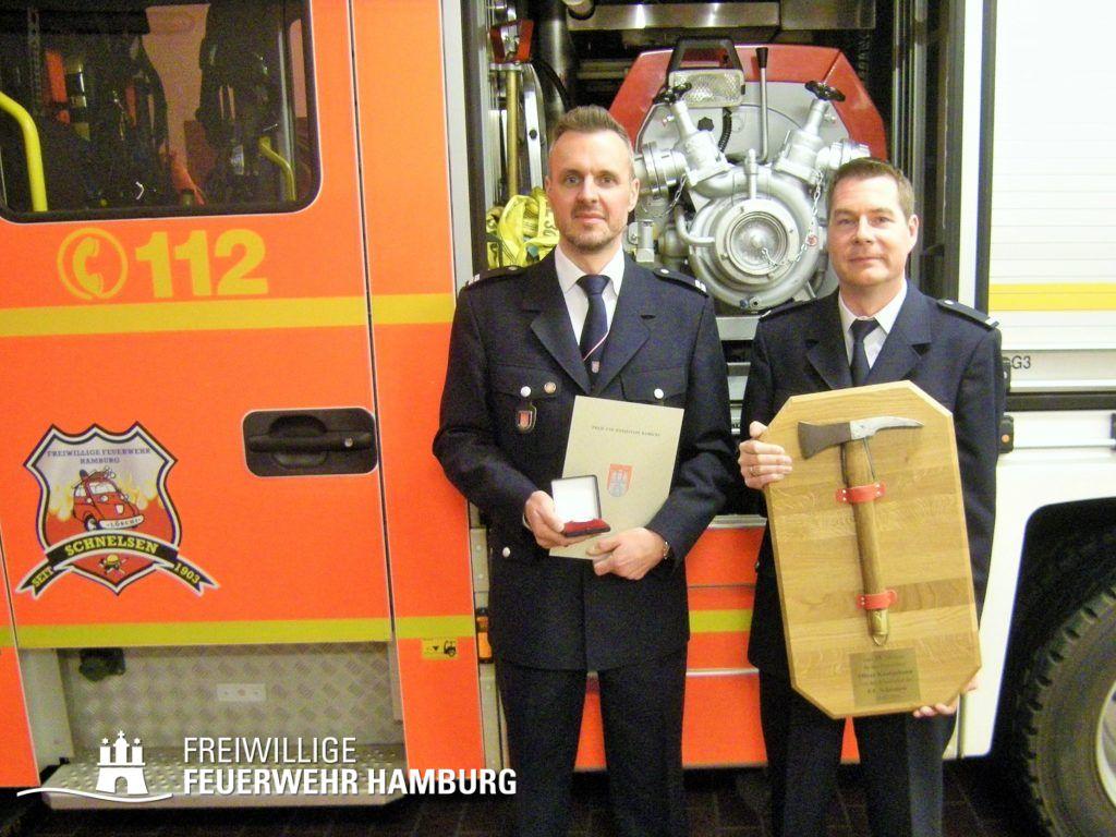 WF Oliver Knabjohann (l.) mit WFV Marco Niederkleine (© Fro)